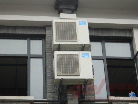 美的家用中央空调出风温和,不干燥,其技术领先,造型